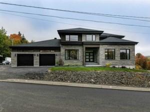 24786000 - Maison à étages à vendre