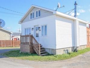28141501 - Maison à étages à vendre