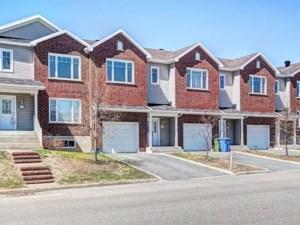 16751599 - Maison à étages à vendre