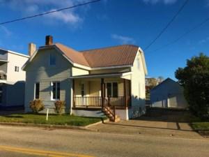 17299299 - Maison à étages à vendre
