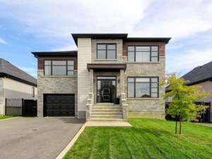 13841624 - Maison à étages à vendre