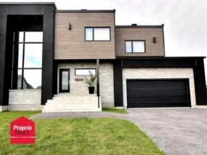 24608444 - Maison à étages à vendre