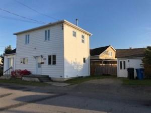 23943156 - Maison à étages à vendre