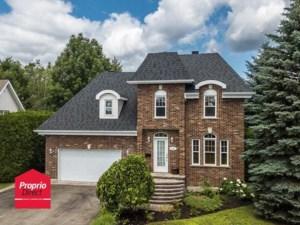 21193527 - Maison à étages à vendre
