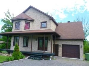 28047308 - Maison à étages à vendre