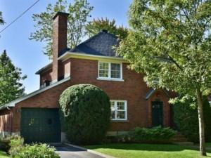 24438883 - Maison à étages à vendre