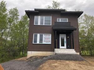 14673976 - Maison à étages à vendre