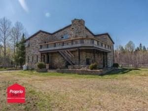 28734425 - Maison à étages à vendre