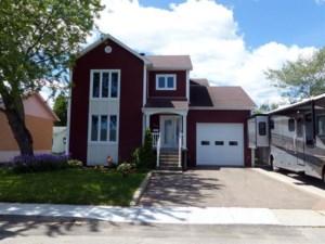27707678 - Maison à étages à vendre