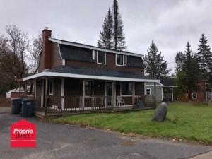 19194198 - Maison à étages à vendre