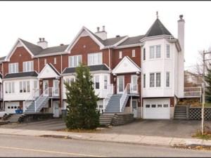 26378673 - Maison à étages à vendre