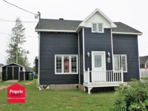 19907610 - Maison à étages à vendre
