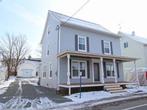 9629365 - Maison à étages à vendre