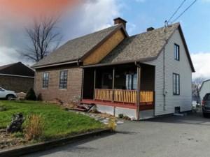11030384 - Maison à étages à vendre