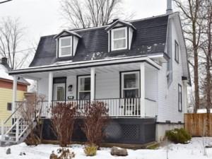 27615704 - Maison à étages à vendre