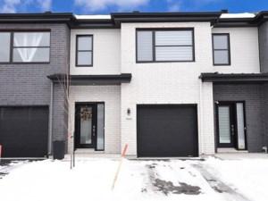28316115 - Maison à étages à vendre