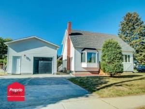 9853985 - Maison à étages à vendre