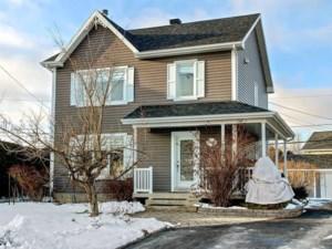 24174816 - Maison à étages à vendre