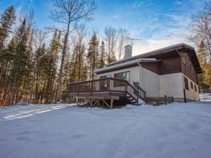 26635989 - Maison à étages à vendre