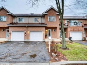 15747144 - Maison à étages à vendre