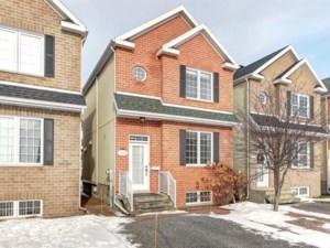 22887570 - Maison à étages à vendre