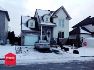 27696243 - Maison à étages à vendre