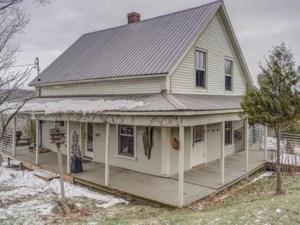 26084682 - Maison à étages à vendre