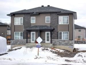 12935744 - Cottage-jumelé à vendre