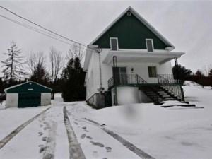 28092323 - Maison à étages à vendre