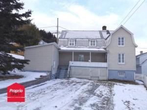 22494541 - Maison à étages à vendre