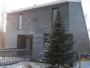 23155058 - Maison à étages à vendre