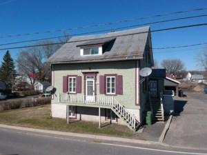 14720096 - Maison à étages à vendre