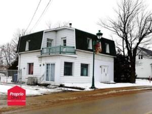 20844235 - Maison à étages à vendre