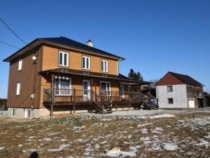 23613486 - Maison à étages à vendre
