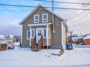 9632879 - Maison à étages à vendre