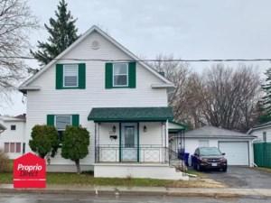 19495314 - Maison à étages à vendre