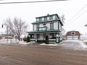 17553069 - Maison à étages à vendre