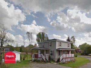 27161647 - Maison à étages à vendre