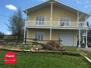 24897502 - Maison à étages à vendre