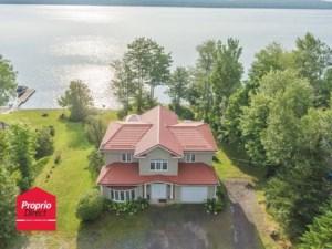 28977121 - Maison à étages à vendre