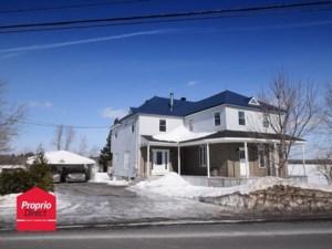 22043030 - Maison à étages à vendre