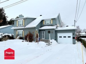 23686440 - Maison à étages à vendre