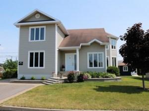 24184810 - Maison à étages à vendre
