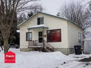9890331 - Maison à étages à vendre