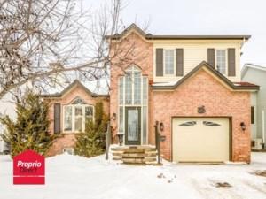 14729554 - Maison à étages à vendre