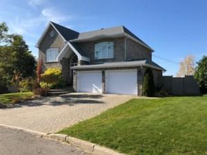 22705204 - Maison à étages à vendre