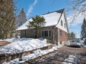 10677626 - Maison à étages à vendre