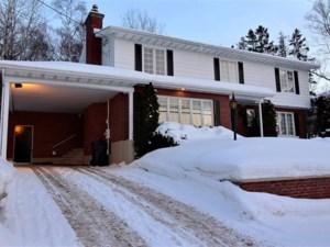 20080106 - Maison à étages à vendre