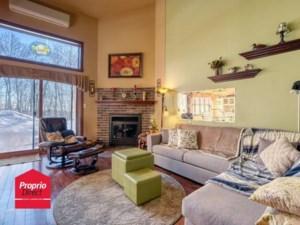 22199979 - Maison à étages à vendre