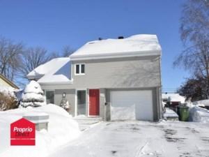 23486414 - Maison à étages à vendre